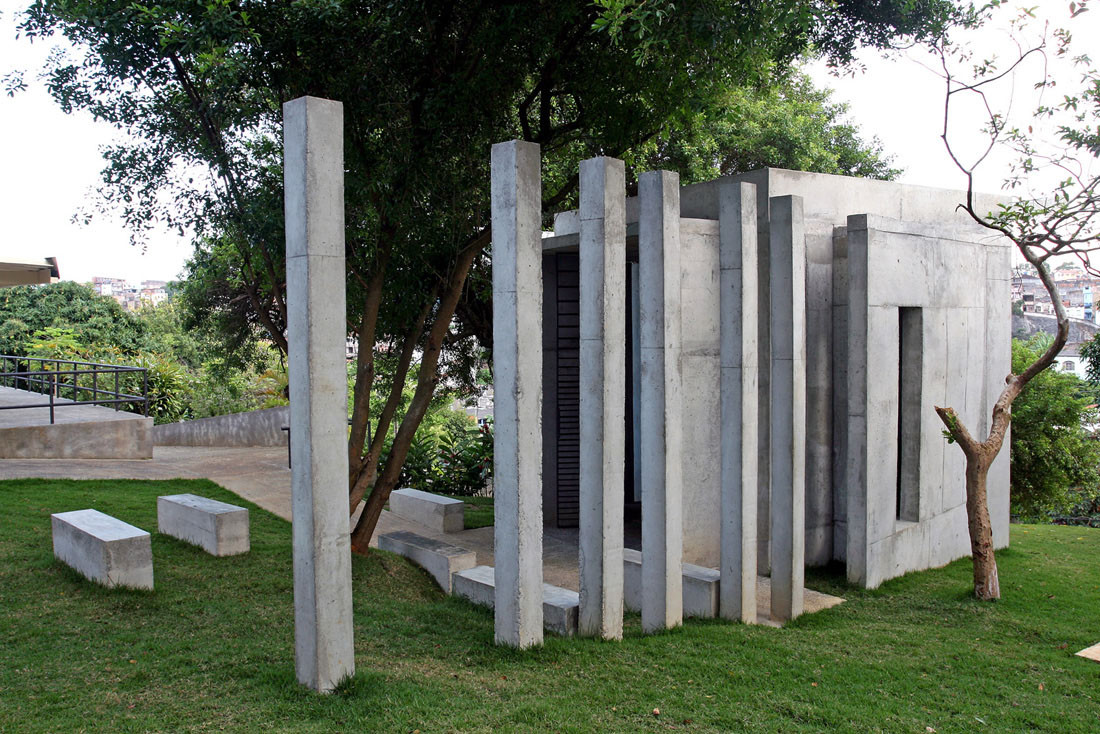 Holocaust Memorial / Sergio Kopinski Ekerman