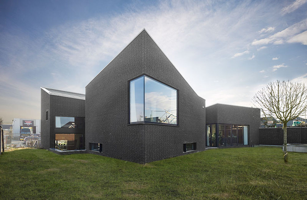 Dwelling-workhouse HDT / Hoogte Twee Architecten