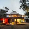 Anglesea House / Andrew Maynard Architects