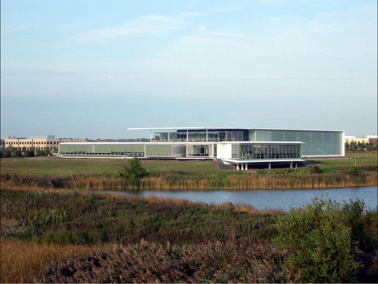 Serta International Center / Epstein | Metter Studio
