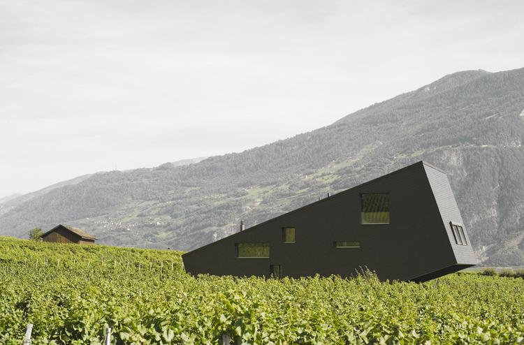 Zufferey House / Nunatak Sàrl Architectes, © Dominique Wehrli