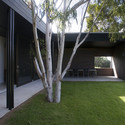 Hervey Bay Farmhouse / Owen and Vokes