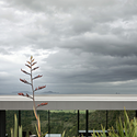 Sandy Bay Road House / Fearon Hay Architects