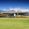 The Michael Hill Clubhouse / Patterson Associates