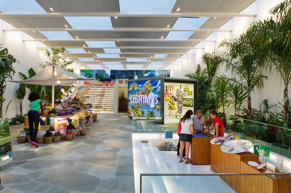 Havaianas Store / Isay Weinfeld, © Nelson Kon