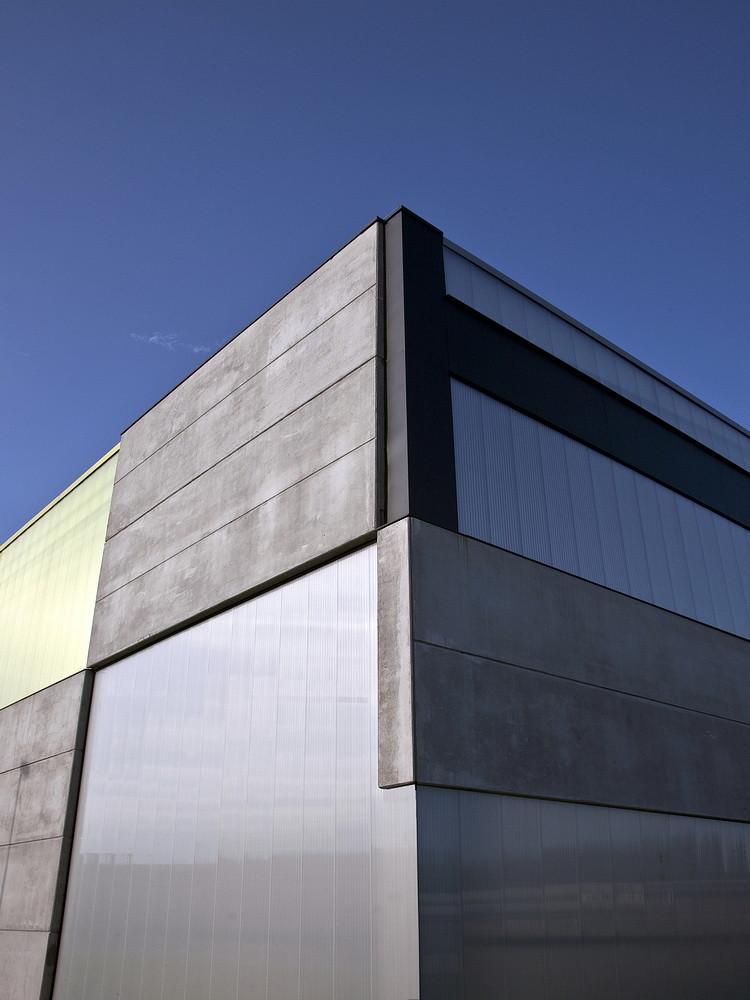 Gallery of office store shop concrete container ofis for Ofis arhitekti