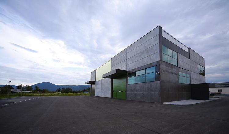 Office, Store & shop concrete container / OFIS Arhitekti, © Tomaz Gregoric
