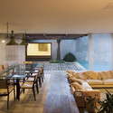 Marrom House / Isay Weinfeld