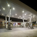 United Oil Gasoline Station / Kanner Architect
