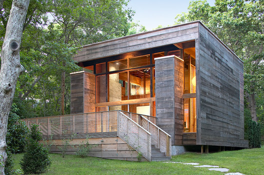 Re cover residence bates masi architects archdaily - Petite maison en bois habitable ...