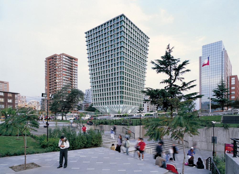Cruz del Sur Building / Izquierdo Lehmann, © Cristobal Palma & Luis Izquierdo