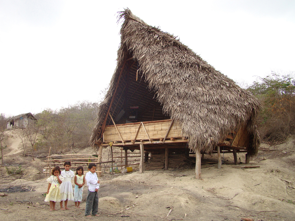Nueva Esperanza School / al bordE, © Esteban Cadena