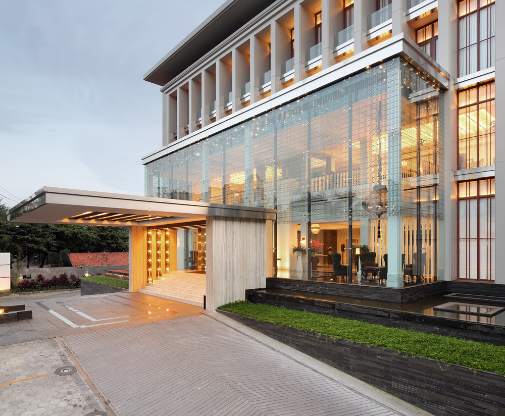 Erha Clinic Surabaya / HMP Architects, © Fernando Gomulya