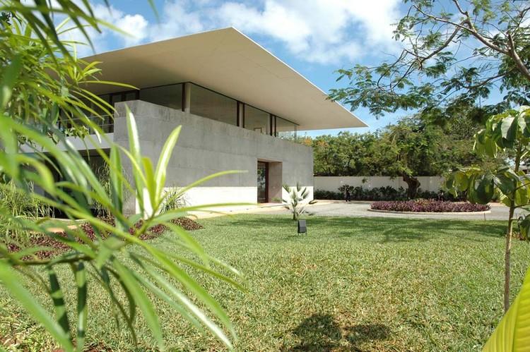 Aon Insurance Headquarters / SPASM Design Architects, © Muzu Suleimanji & Sanjeev Panjabi
