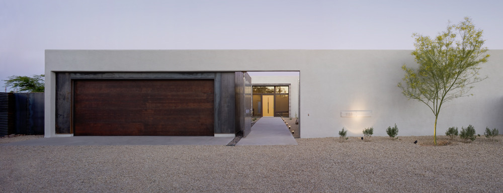 The six courtyard houses ibarra rosano design for Minimalist house with courtyard