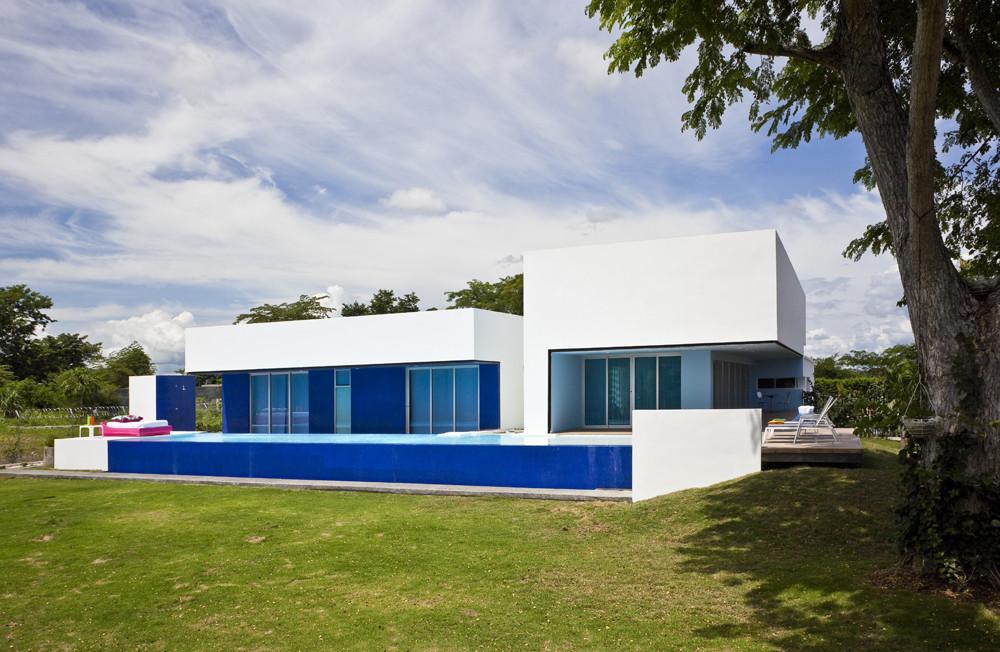 Sinu River House / Antonio Sofan, © Carlos Tobon
