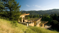 Mill Valley Hillside / McGlashan Architecture