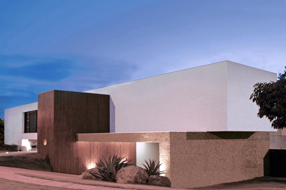BL House / Studio Guilherme Torres, © Beto Consorte
