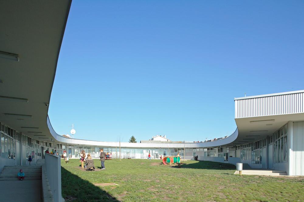 Segrt Hlapic Kindergarten / Radionica Arhitekture, © Boris Cvjetanovic
