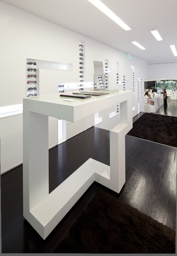 Gallery of optical store in lisbon jorge sousa santos 14 for Optical store designs interior