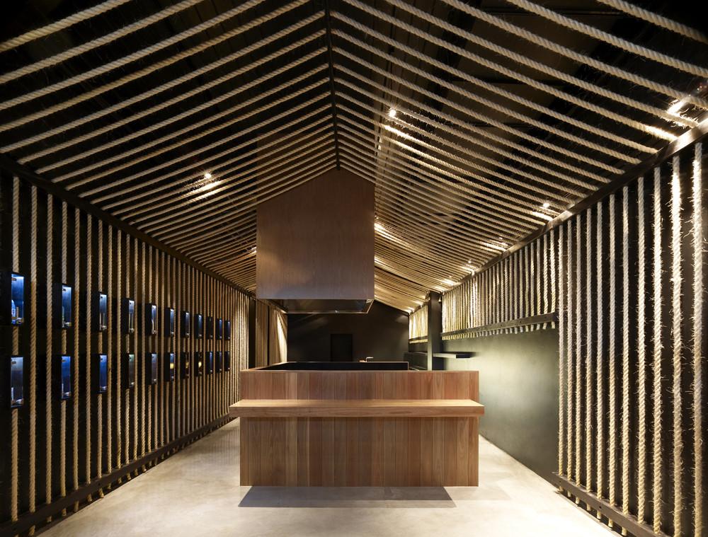 Maedaya Grill & Sake / EAT Architects, © Derek Swalwell