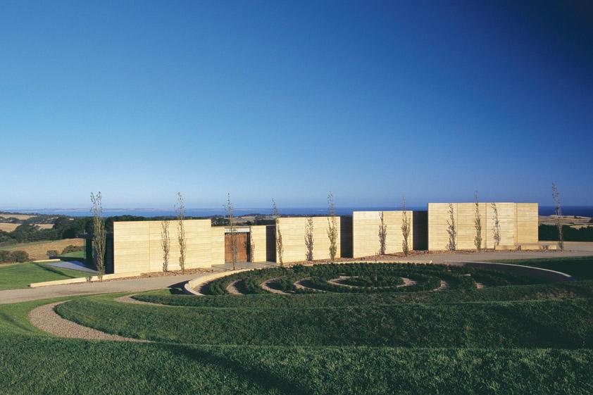 Earth House / Jolson Architecture Interiors, © Scott Newett