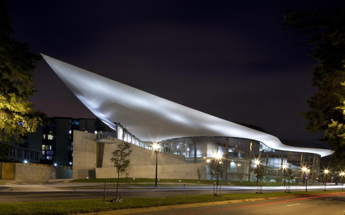 Arena Stage / Bing Thom Architects, © Nic Lehoux