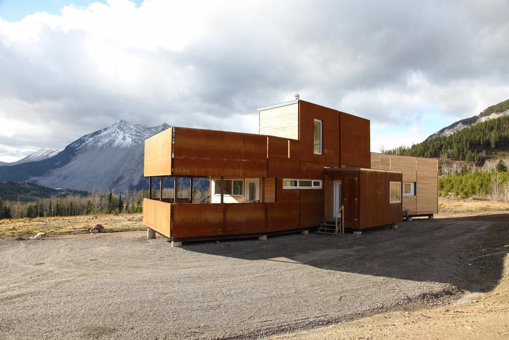 Crowsnest Modular Home / Challenger, © Lori Andrews
