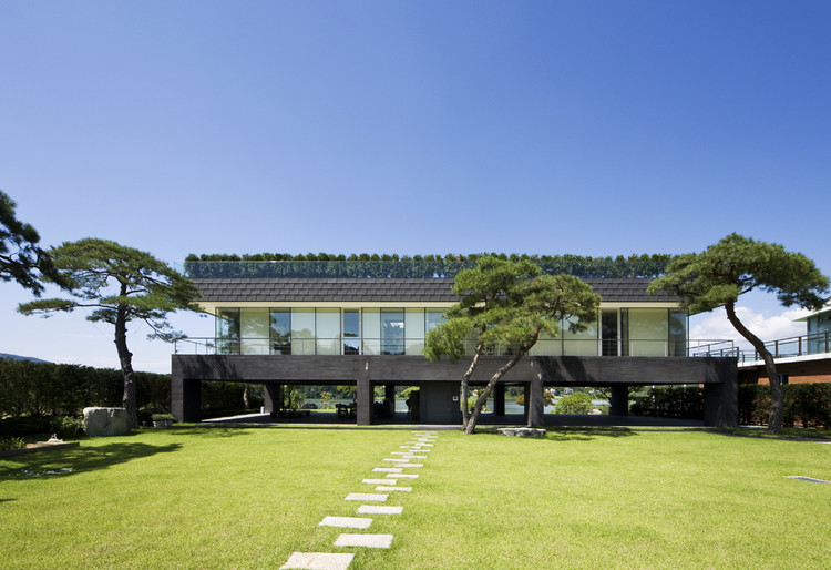 Floating House / Hyunjoon Yoo Architects, © Seunghoon Yum
