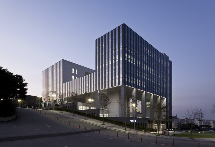 Chungwoon University Library / Hyunjoon Yoo Architects & DANU, © Seunghoon Yum