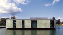 La Candida's Club House / Adamo-Faiden