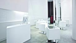 Bartek Janusz Hairdresser / moomoo Architects