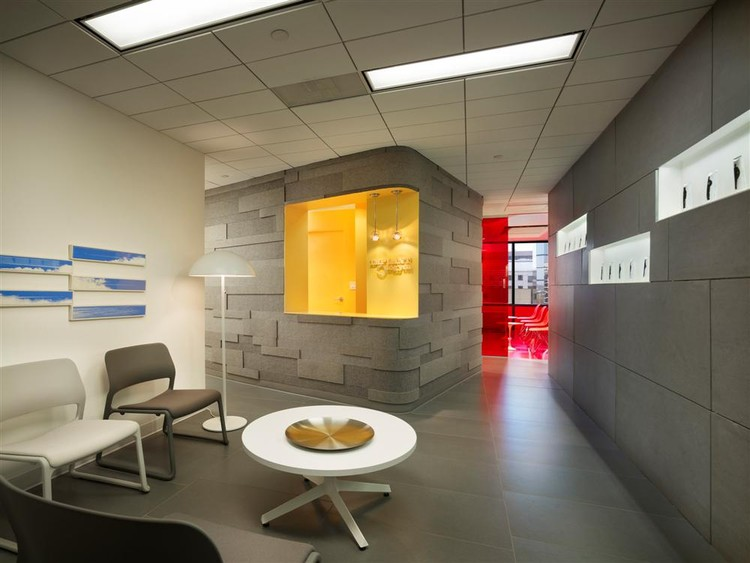 Implantlogyca Dental Office Interiors / Antonio Sofan Architect, © Halkin Mason Photography