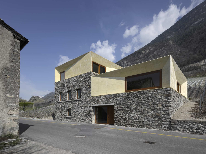 Transformation À Charrat / Clavienrossier Architectes, © Roger Frei