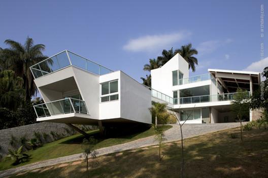 FP House / João Diniz Arquitetura, © Leonardo Finotti