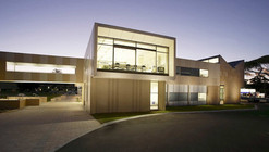 DTVA Christ Church Grammar School / Donaldson + Warn