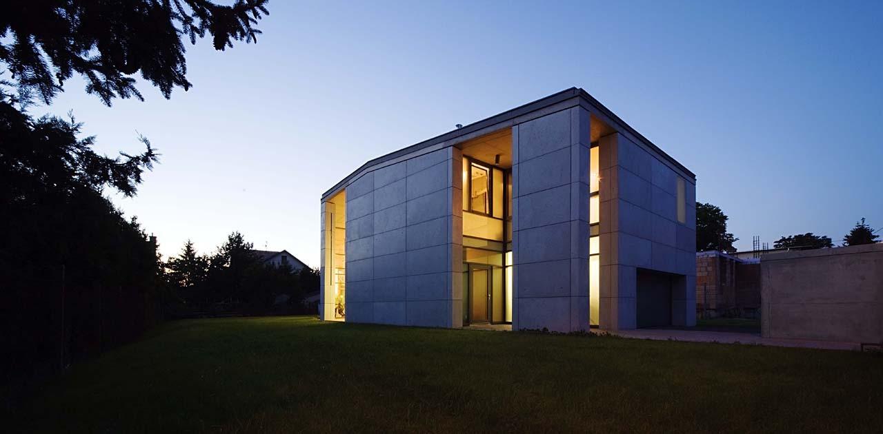House - Budapest XVI / ZSK Architects, © Tamas Bujnovszky