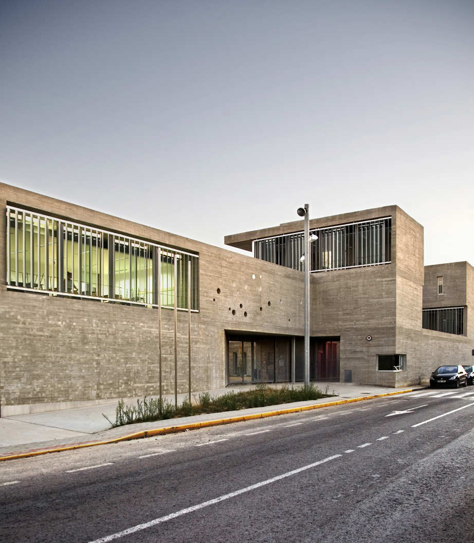 Rafal Secondary School / Grupo Aranea