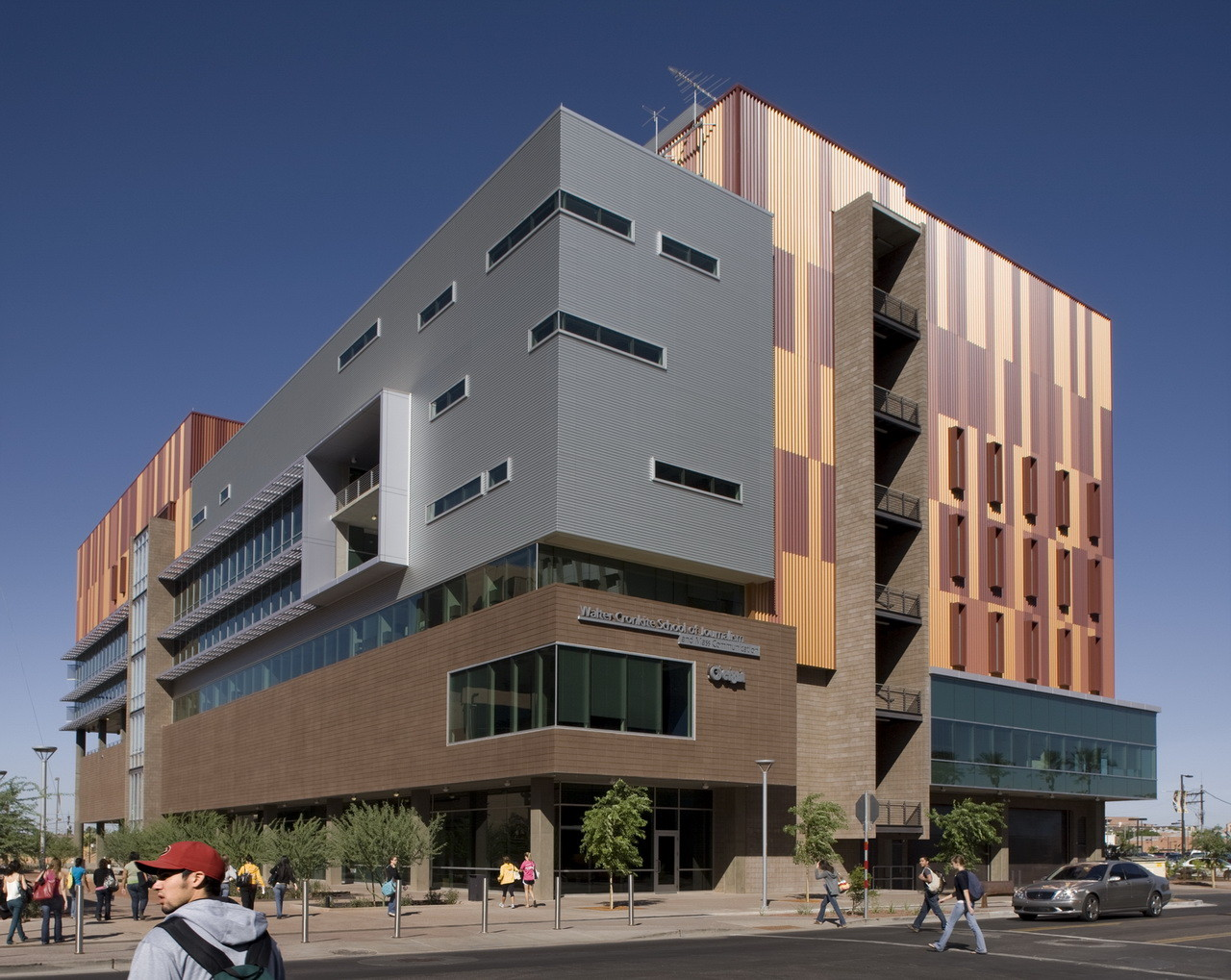Arizona State University Walter Cronkite School of Journalism & Mass Communication / Ehrlich Architects, © Bill Timmerman