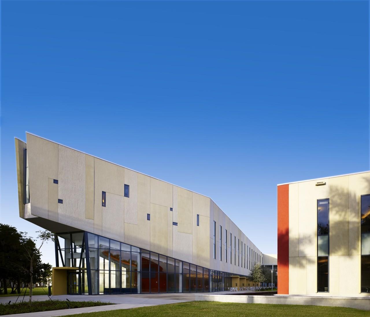 FIU Chapman Graduate School of Business / KPF   ArchDaily