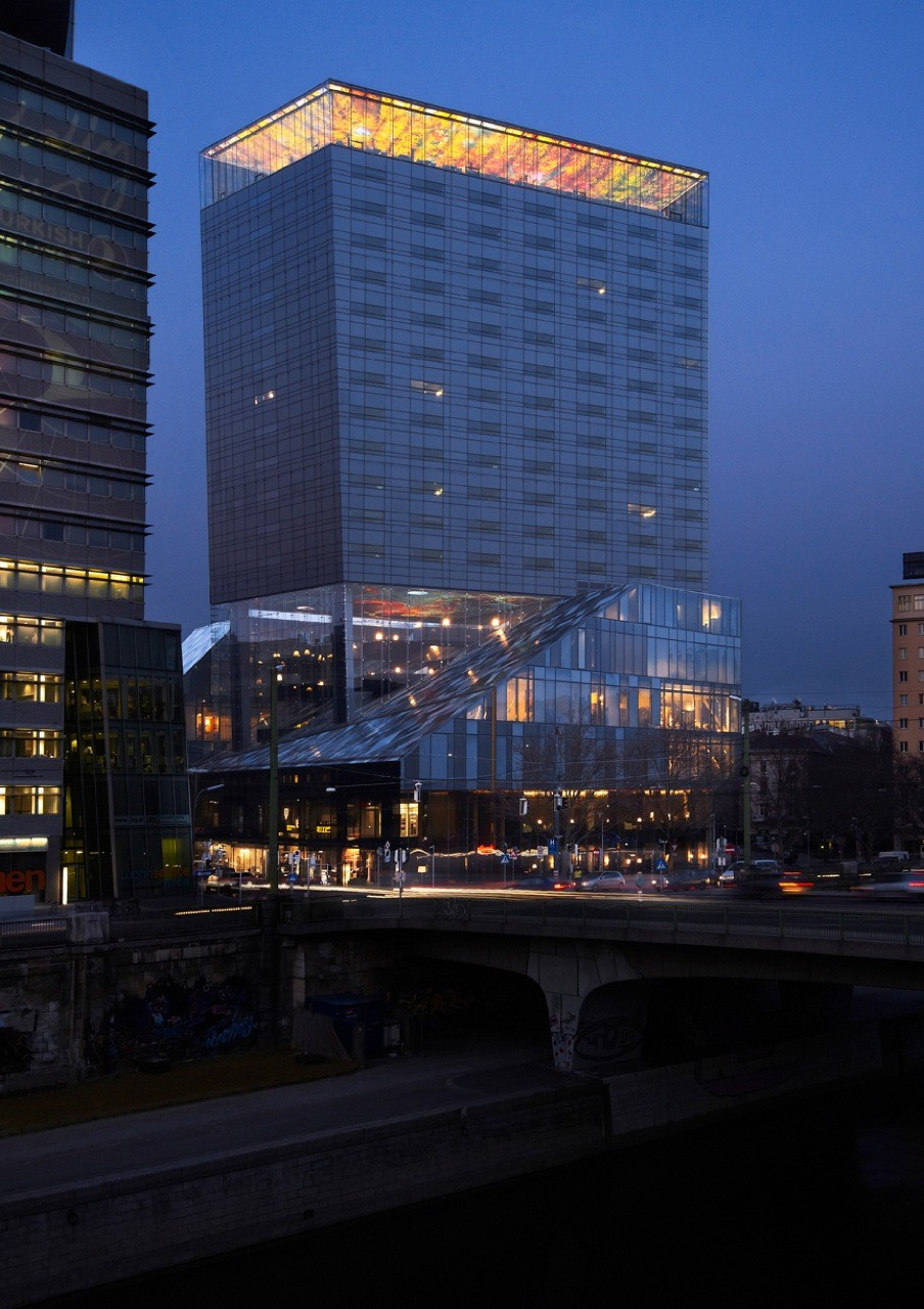Sofitel vienna stephansdom stilwerk ateliers jean nouvel for Design hotel wien