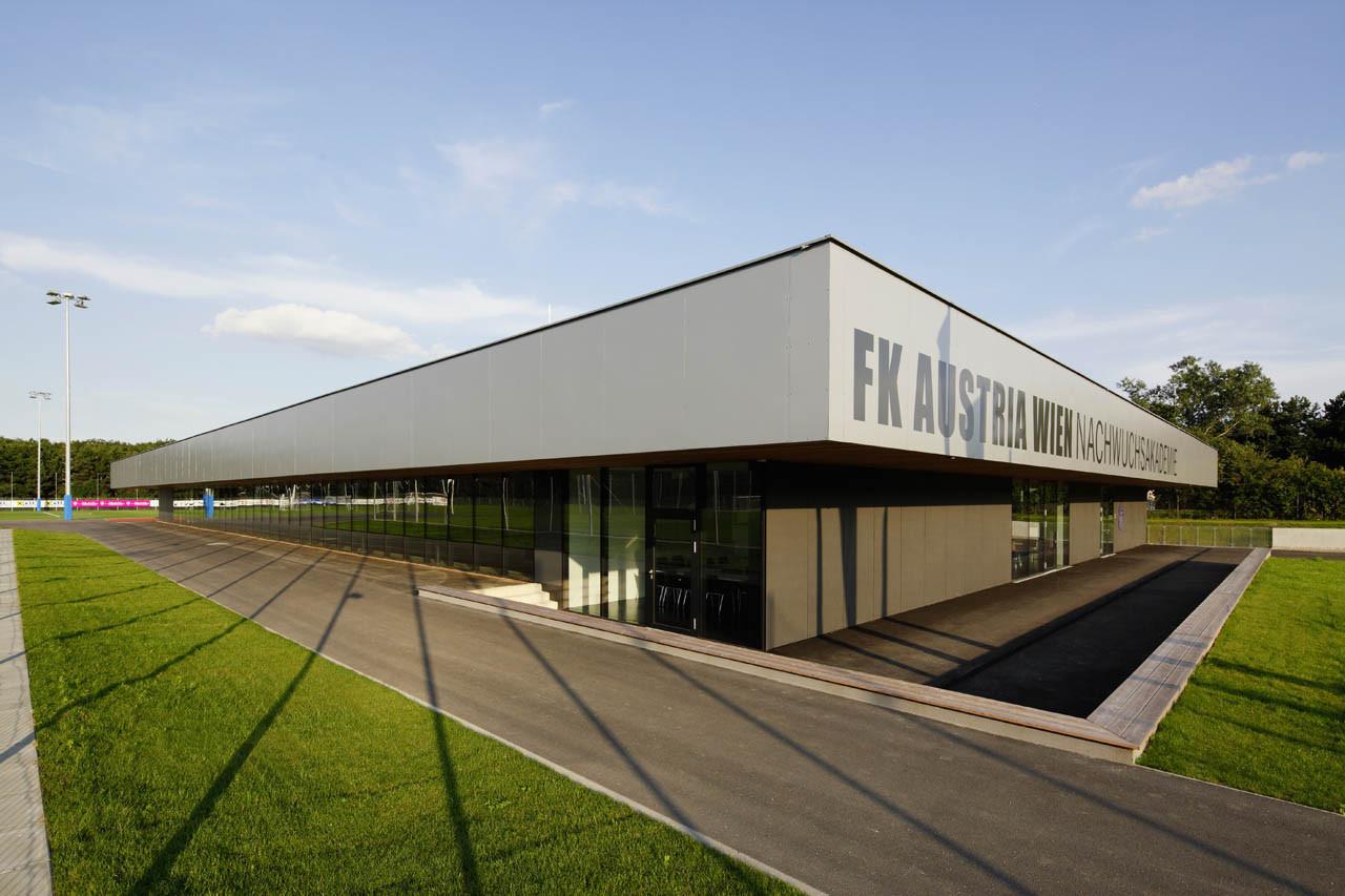 FK Austria Wien Training Academy / Franz Architekten + Atelier Mauch, © Stephan Wyckoff