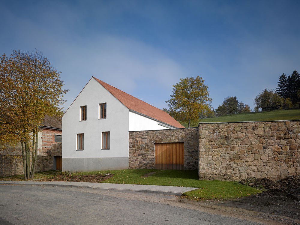 Family House in Malá Lhota / JRA Jarousek.Rochova.Architekti, © Filip Slapal