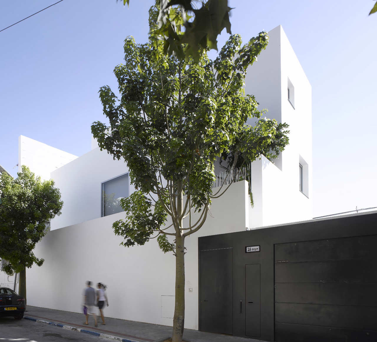 Non Visible House / Paritzki Liani Architects, © Amit Geron
