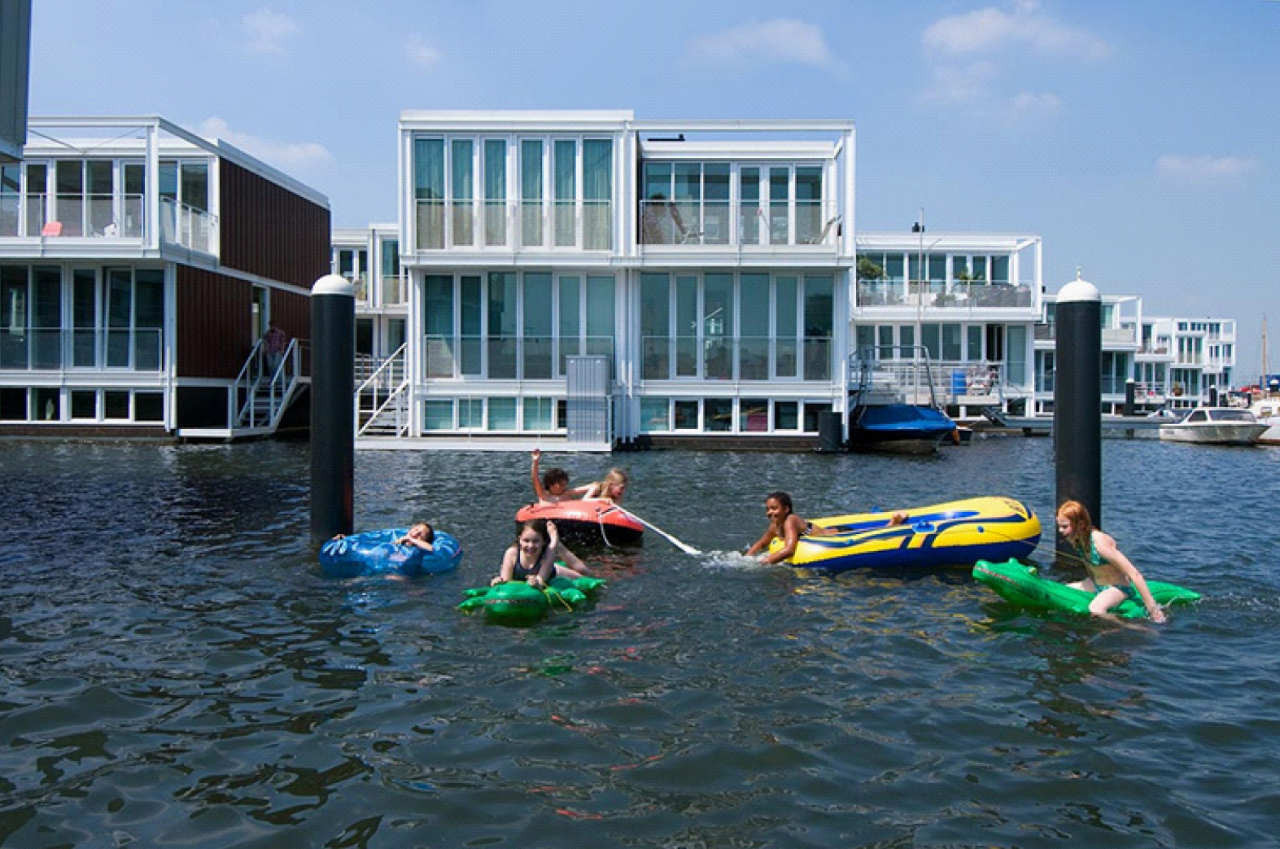 gallery of floating houses in ijburg architectenbureau marlies rohmer 3. Black Bedroom Furniture Sets. Home Design Ideas