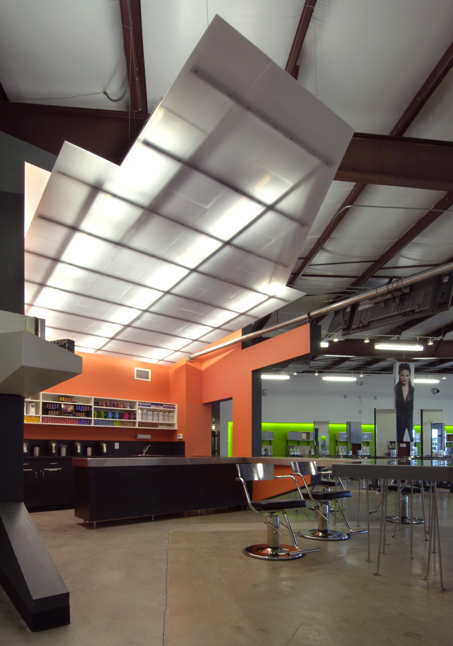 The System – A Paul Mitchell Partner School / Dake | Wells Architecture, © Architectural Imageworks