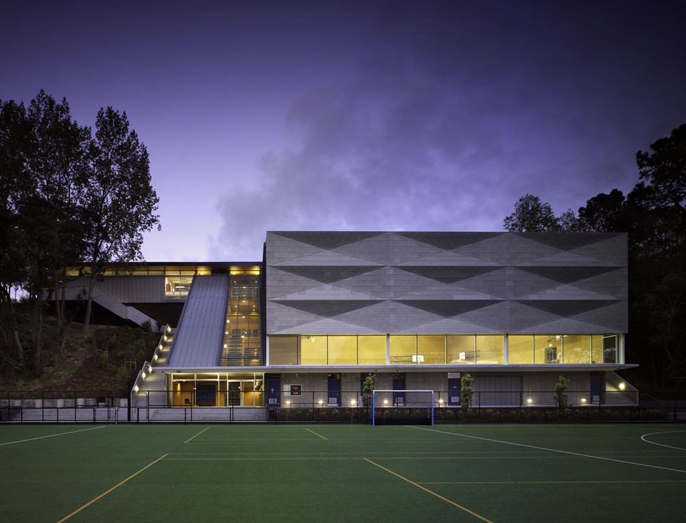 Saint Kentigern School Jubilee Sports Centre / Architectus, © Simon Devitt