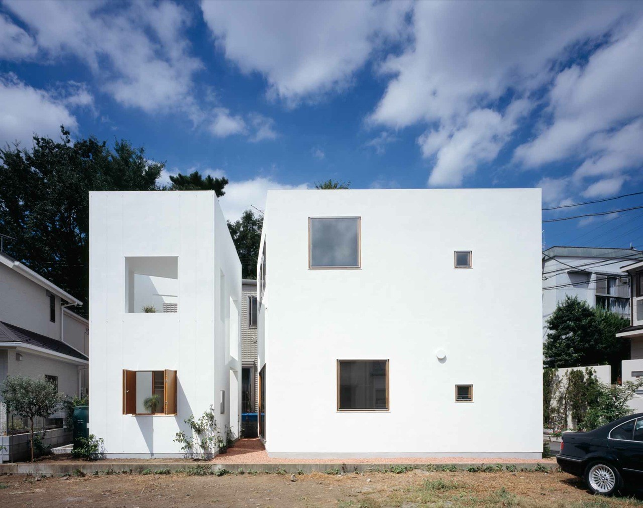Inside house outside house takeshi hosaka architects for Picture of house