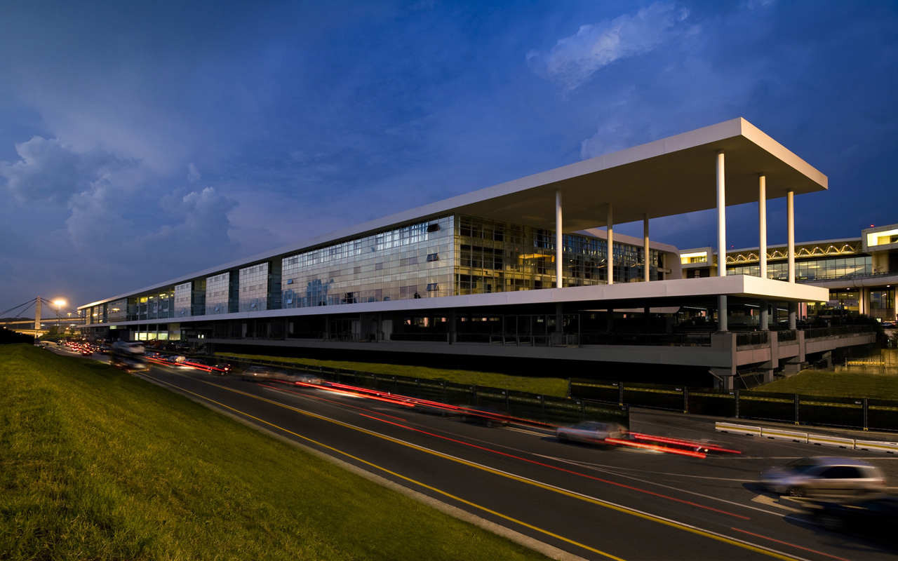 The Sheraton Milan Malpensa Airport Hotel & Conference Centre / King Roselli Architetti, © Santi Caleca