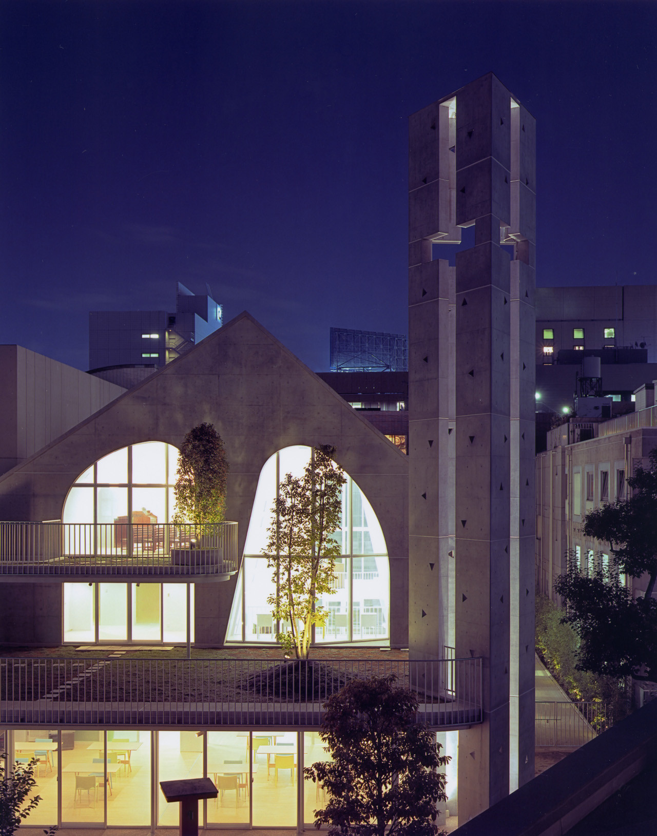 Harajuku Church / Ciel Rouge, © Henri Gueydan
